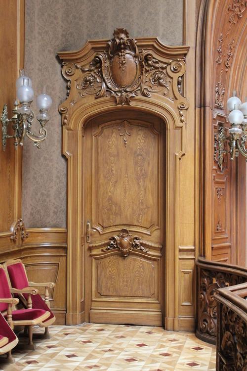Фото для Эксклюзивные дизайнерские двери из Италии, Двери ЛЕСКОМ, ЮККА, Kaiser, Стройгост,  Йошкар,  Technocrat. Производство Россия, Европа. Более 1000 моделей дверей для бытовых, коммерческих и промышленных зданий.