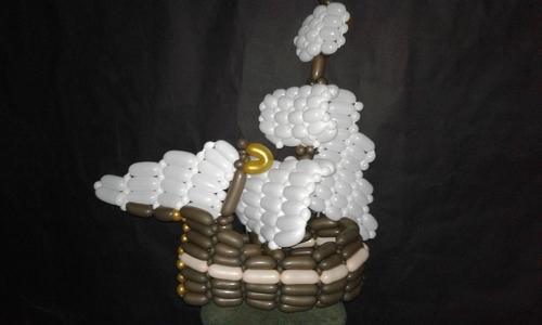 Фото для Парусный корабль из шаров для моделирования.